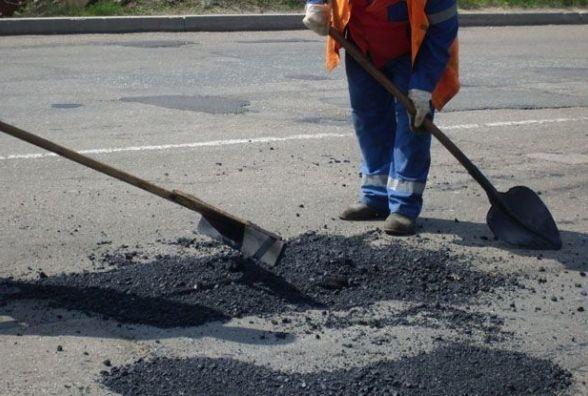 Де сьогодні лататимуть дорогу на Тернопільщині (список)