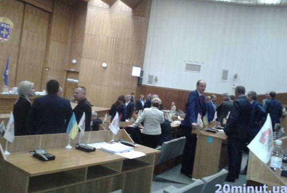 Сесія облради почалась зі сварок депутатів