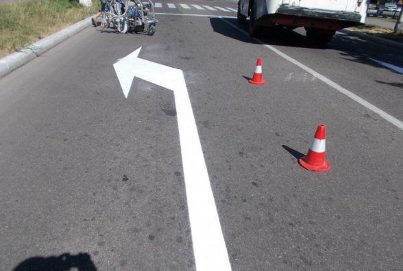 На дорогах Тернополя оновлюють розмітку. Виділили 1 млн 200 тисяч