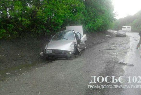 На Тернопільщині Daewoo під час обгону зіткнувся з автомобілем Audi