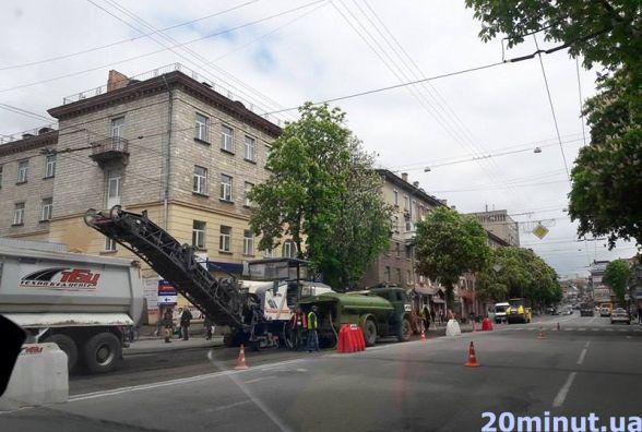 Фото дня: На Руській ремонтують дорогу