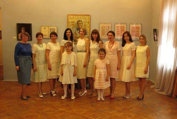 У Тернополі покажуть колекцію одягу «Глухівський льон»