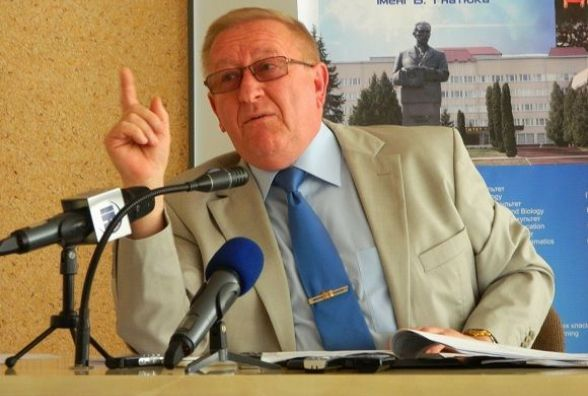 """""""Пора і честь знати"""", - каже ректор Володимир Кравець і збирається у відставку"""