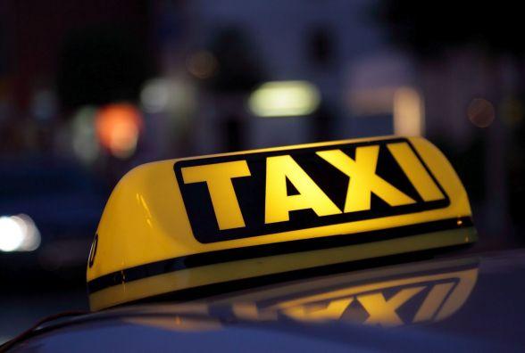 У Тернополі п'яний таксист їздив містом