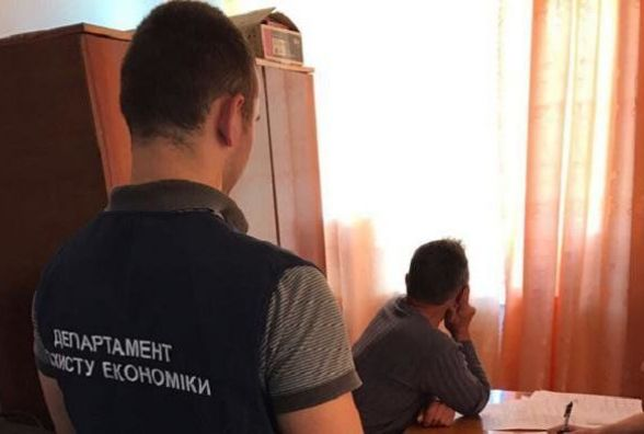 Сільський голова попався на хабарі 2000 грн