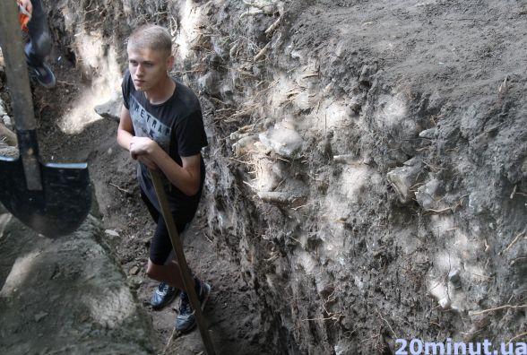 П'ятий день археологи шукають бастіон біля Тернопільського замку