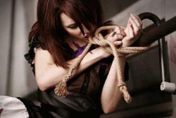 Тернополянам розповіли про торгівлю людьми та вербування в закордонне «рабство»