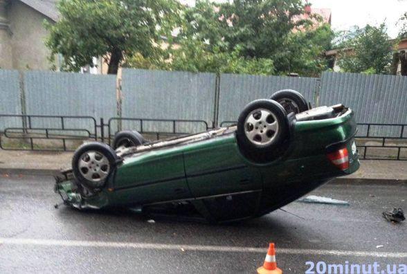 На Кривоноса п'яний водій перекинувся на автомобілі