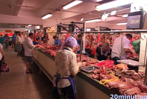 Після спеки овочі та фрукти знову подорожчали, а м'ясо тримається в ціні (огляд цін)