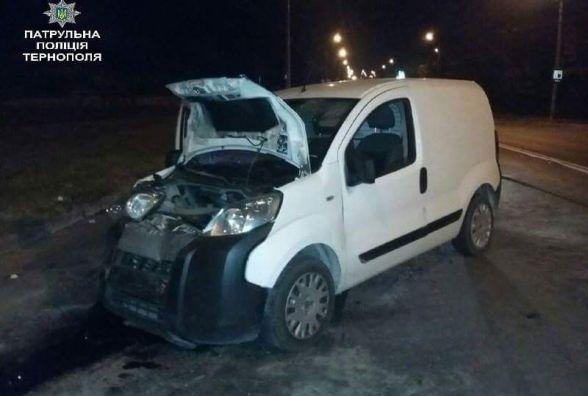 Біля Микулинецького кладовища через п'яного водія в ДТП постраждало четверо