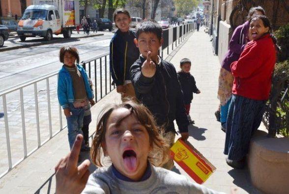 Тернополяни обурені поведінкою ромів і бояться, що ті захоплять місто