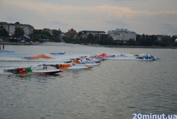 Італійці та прибалти стали переможцями на водно-моторних перегонах у Тернополі