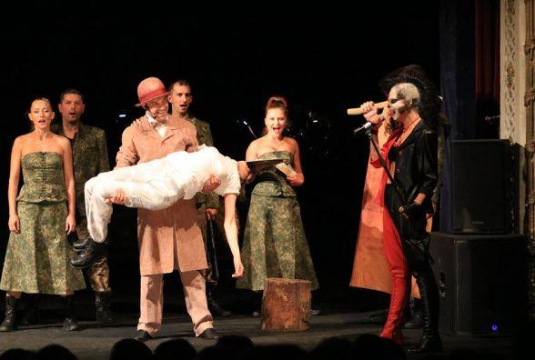 Рок-опера «Біла ворона»: як спалювали Жанну д' Арк