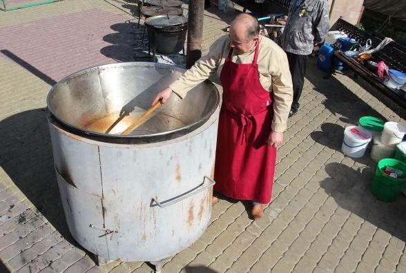 Тернопільський ресторатор приготував бичачі яйця і встановив рекорд (оновлено)