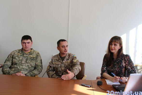 """""""Поки ми в ефірі, хлопці в окопах"""", - тернопільські військовослужбовці чесно розповіли про службу в армії"""