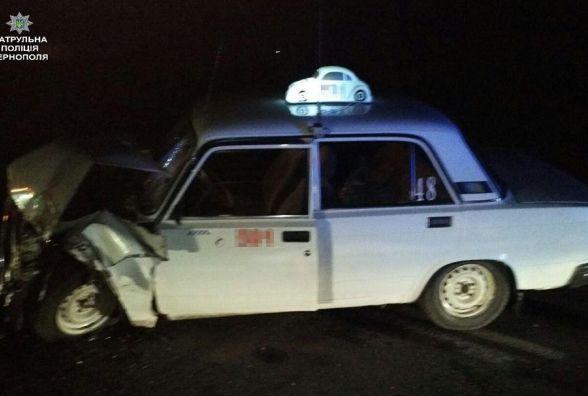 """ДТП у Смиківцях: зітнулись """"швидка"""" і таксі"""