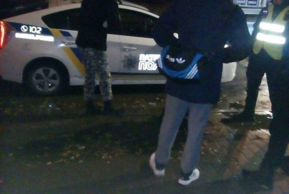 Копи біля ринку затримали двох 17-річних хлопців