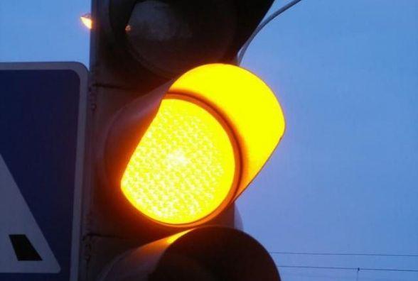 """На перехресті зіткнулись таксі та BMW, обоє їхали на """"жовте"""""""