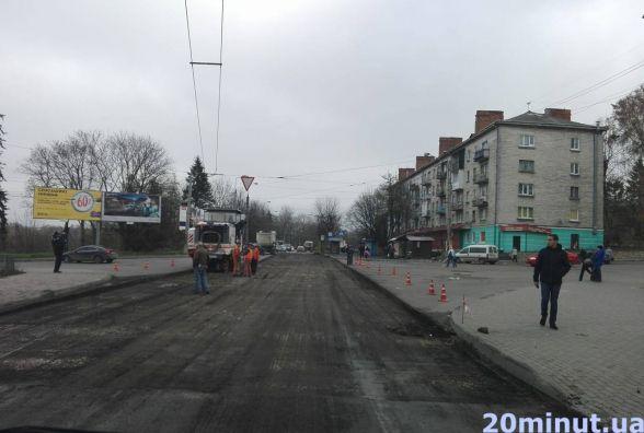 """Через ремонт дороги на """"Дружбі"""" маршрутки їдуть на 10 хвилин довше"""