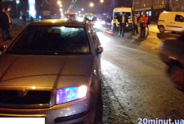 Аварія на Микулинецькій. Збили жінку на пішохідному переході