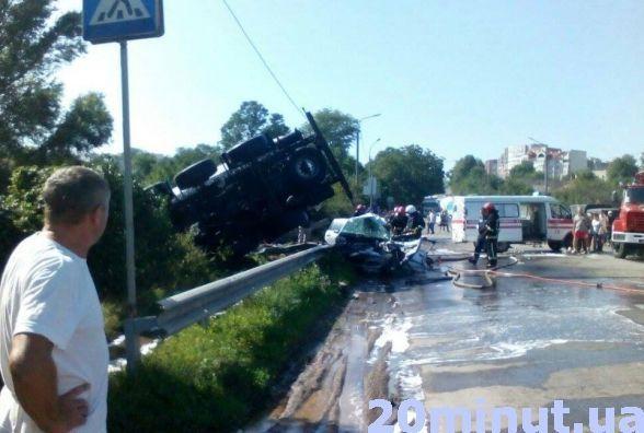 На дорогах гинуть вчетверо більше людей, ніж у зоні АТО