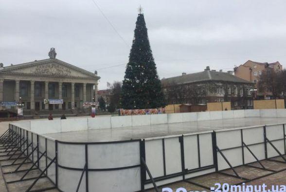 Цього року Тернопіль може залишитися без ковзанки на Театралці