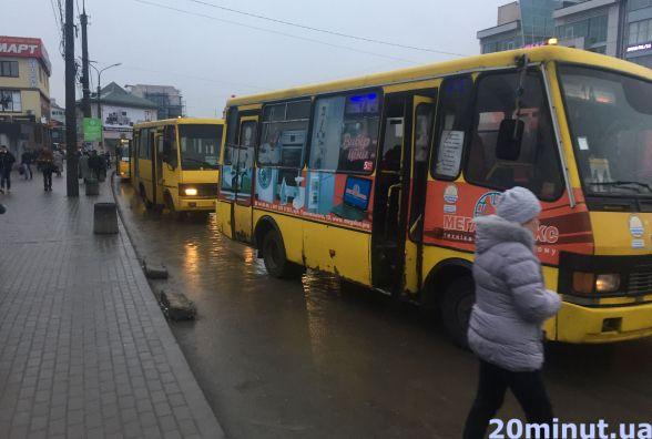Водії маршруту №14 написали заяви на звільнення