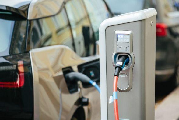 Тернополяни просять створитив місті зарядністанцій для електромобілів
