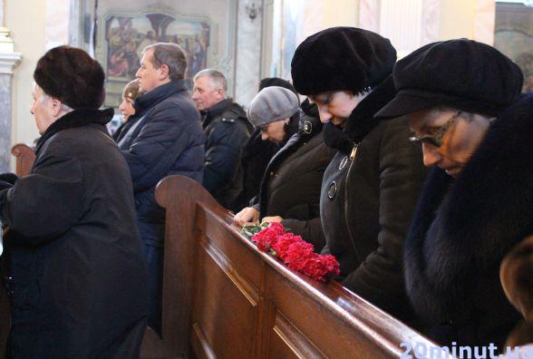 """Маю зробити те, що не встиг син"", мама Героя Олександра Орляка"