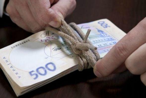 Найвищу зарплату в області отримують у Бурштині (інфографіка)