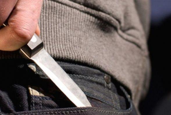 У Центрі підрізали тернополянина. Нападник встромив чоловікові ножа в живіт