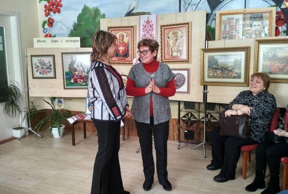 Тернопільська майстриня вперше представила свої вишиті та в'язані рукотвори
