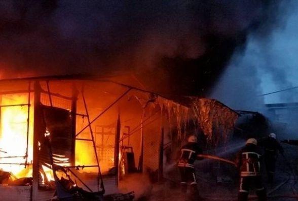 Пожежа на складі секонд-хенду: згоріло три тонни одягу та взуття