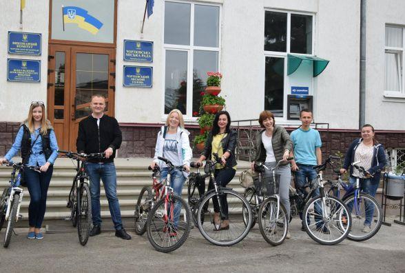 На Тернопільщині чиновники ціле літо їздитимуть на роботу велосипедами