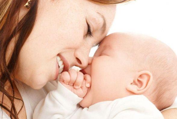 Тернополяни можуть подати документи на оформлення допомоги при народженні дитини онлайн