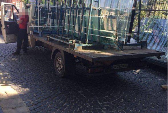 Поліція оштрафувала водія, який припаркувався у центрі Тернополя