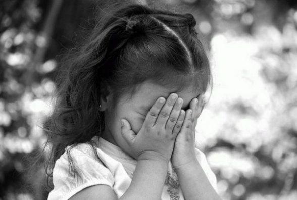 На Тернопільщині п'яний чоловік розбещував 6-річну дівчинку