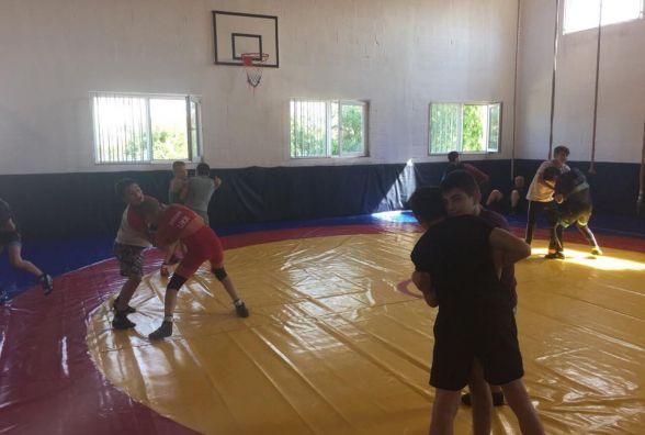 Тернопільські борці проходять тренувальні збори у Румунії