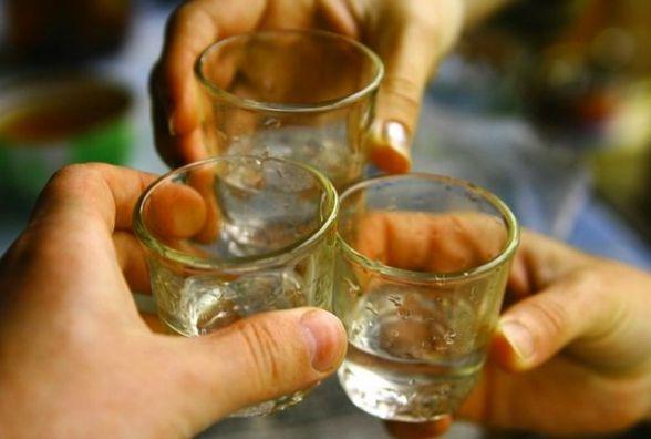 Через кількох п'яних мешканців на Бандери не спало пів будинку.  Не допомогли і патрульні