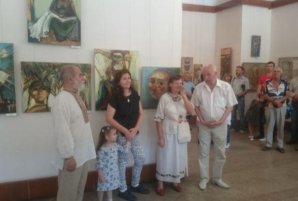 Сапфірове весілля Ганна і Богдан Ткачики відзначили родинною виставкою
