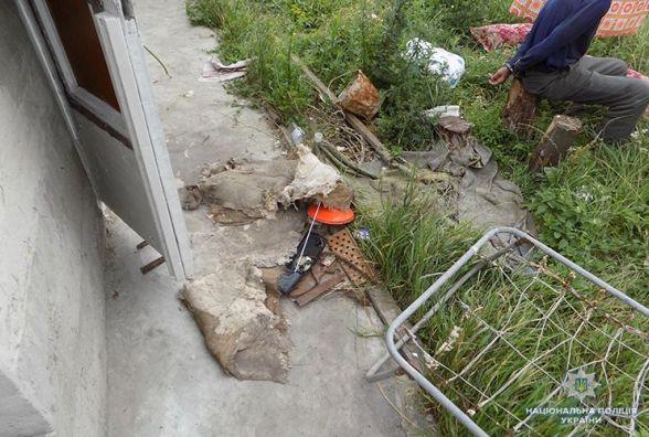 У Петриках вбили тернополянина: господар схопив сокиру і кілька разів вдарив нею гостя