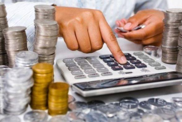 Чи має платити податки в Україні той, хто легально працює за кордоном