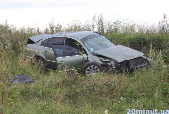 Біля Смиківців аварія. Машина розбита, водій загинув (оновлено)