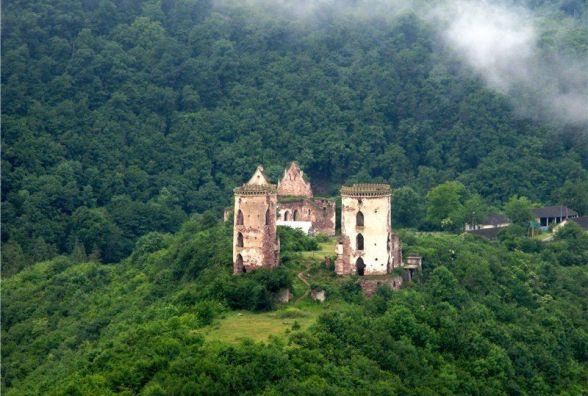 Тернополян кличуть в урочище Червоне біля Джуринського водоспаду на свято замку