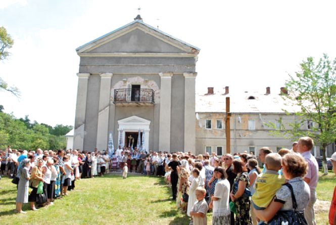 Монастир у Краснопущі повернуть церкві
