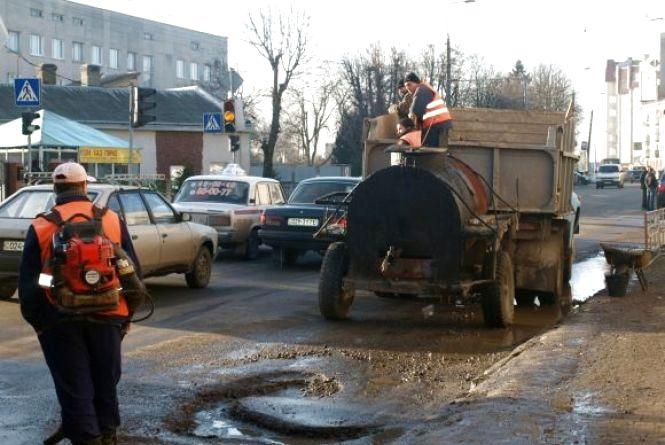 В капремонт доріг у Тернополі закатали понад 14 мільйонів