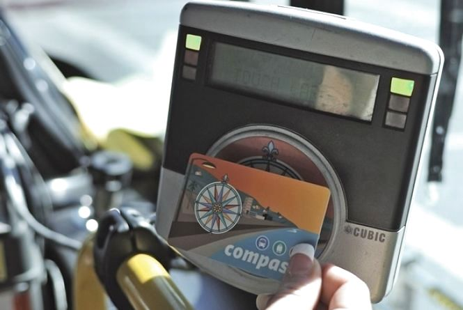 У маршрутках, як і тролейбусах, будуть діяти картки. Але поки не дозволяє закон