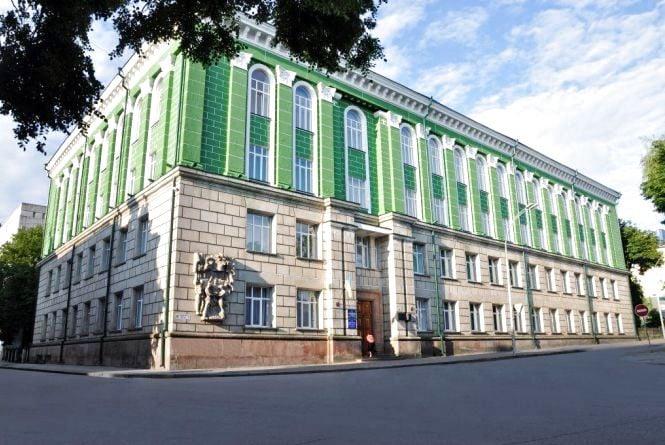У Тернополі у виборах ректора медуніверситету інтрига триває