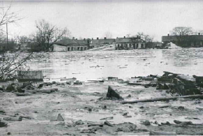 Цей день в історії, 13 березня: Куренівська катастрофа, загинуло 1500 людей