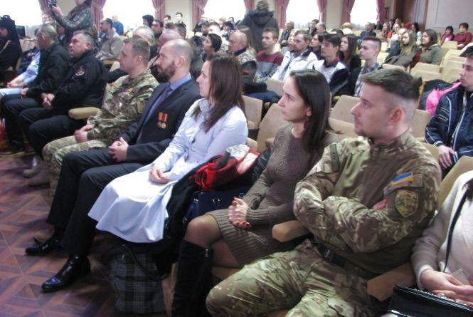 """У Тернополі медиків-волонтерів нагородили """"За спасіння життя"""""""
